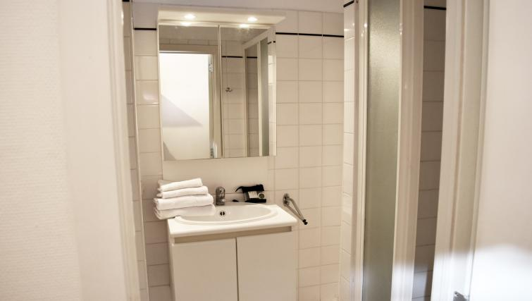 Bathroom at Jubelpark Apartments E - Citybase Apartments