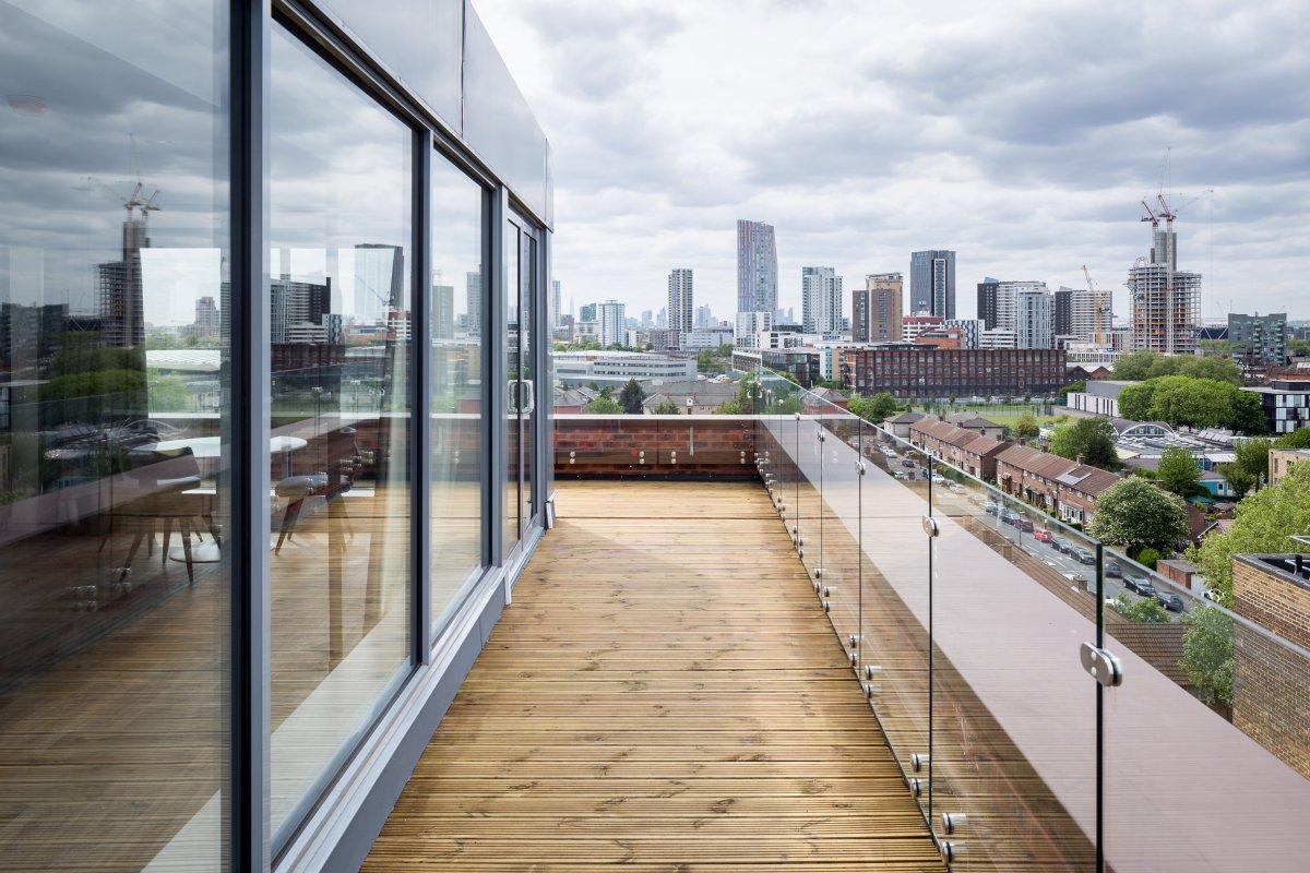 Balcony at Roomzzz London Stratford - Citybase Apartments
