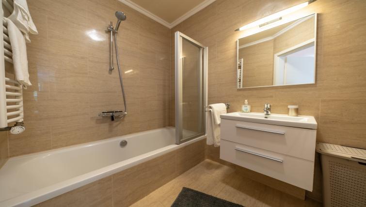 Bathroom at Rue du Soleil Apartment - Citybase Apartments