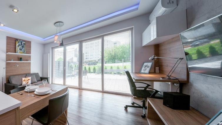 Glass doors at Ariańska Residence - Citybase Apartments