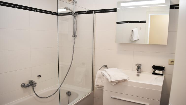 Bathroom at Woluwe Gardens Apartments - Citybase Apartments