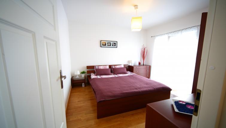 Double bed at Lobzowska Apartments - Citybase Apartments