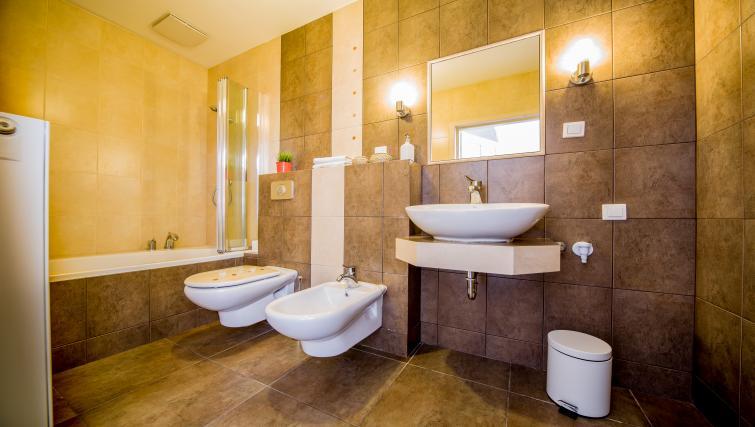 Toilet at Lobzowska Apartments - Citybase Apartments