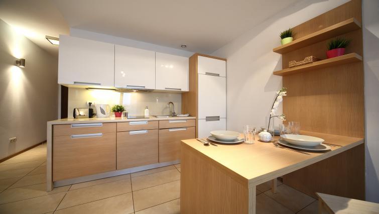 Spacious kitchen at Angel City Apartments - Citybase Apartments