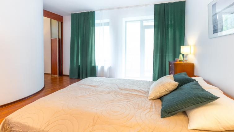 Double bed at Kazimierza Wielkiego Apartments - Citybase Apartments