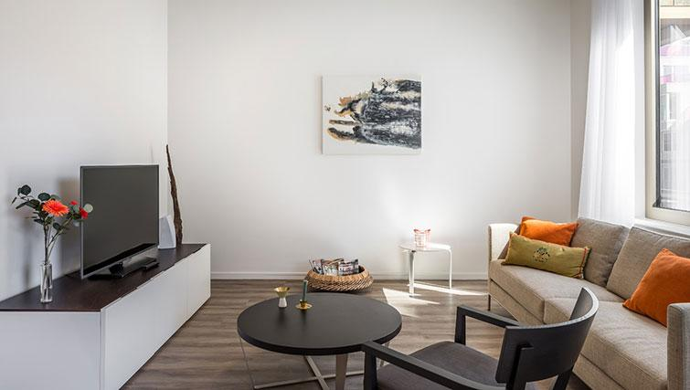 TV area at Gershwin Serviced Apartments, Amsterdam - Citybase Apartments