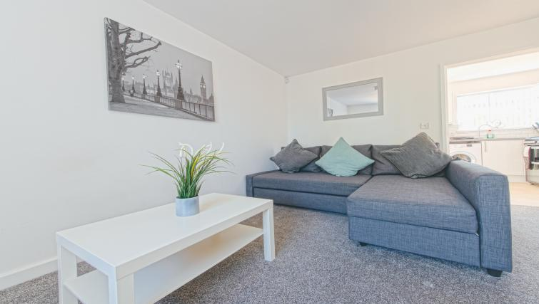 Living room at Sutton Muse Serviced Apartment - Citybase Apartments