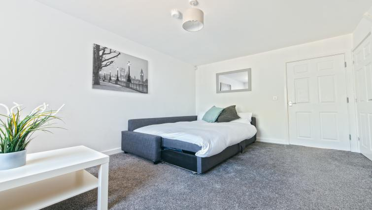 Sofa bed at Sutton Muse Serviced Apartment - Citybase Apartments