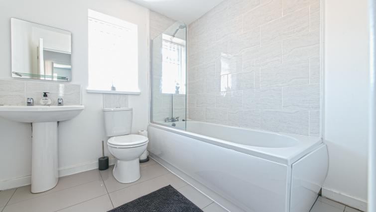 Bathroom at the Sutton Vale Serviced Apartment - Citybase Apartments