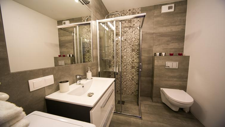 Bathroom at Old Town Apartments - Citybase Apartments