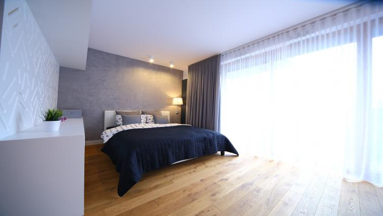 Spacious bedroom at Old Town Apartments - Citybase Apartments