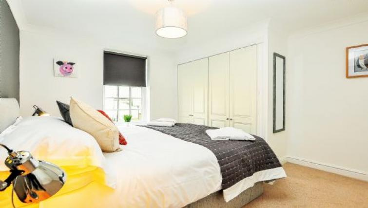 Bright bedroom at Fountains View Apartment - Citybase Apartments