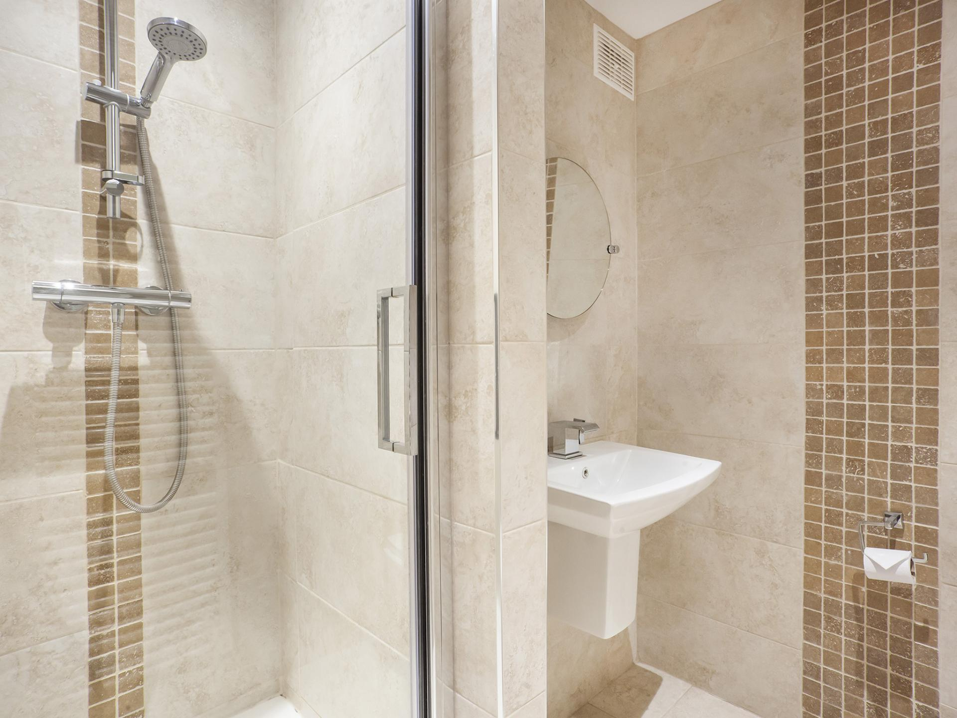 Shower at Fountains View Apartment - Citybase Apartments