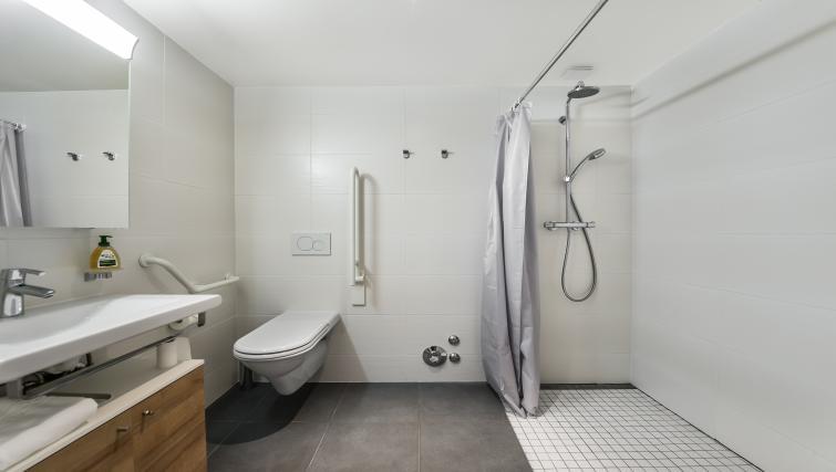Bathroom at the Noirettes Studios - Citybase Apartments