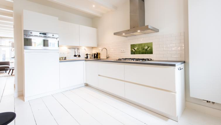 Kitchen at Jordaan Harlem Apartments, Amsterdam - Citybase Apartments