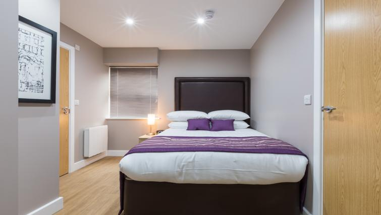Large bedroom at City Wall House - Citybase Apartments
