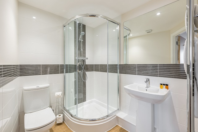 Shower at City Wall House - Citybase Apartments