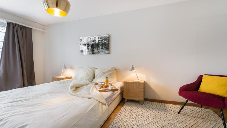 Double bed at Athenee Apartments - Citybase Apartments