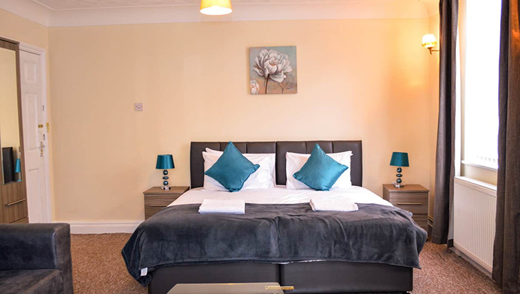 Zip and link beds at  Orrell House Apartments - Citybase Apartments