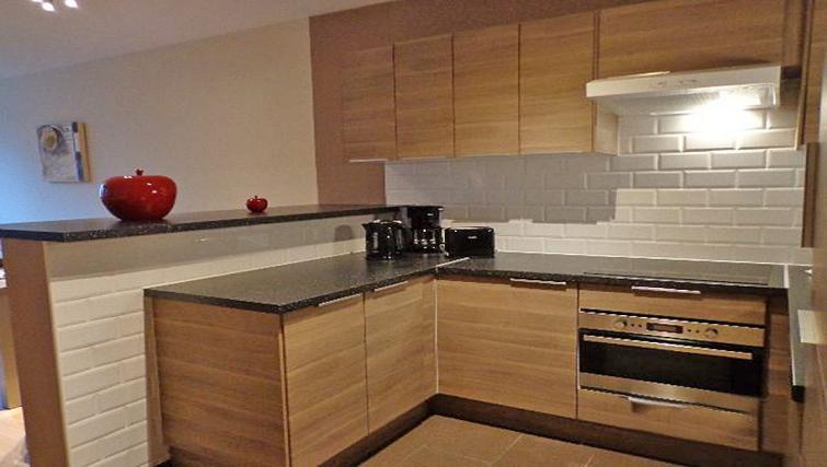 Kitchen at Dunant Gardens Apartments - Citybase Apartments