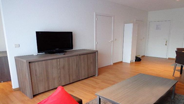 TV at Dunant Gardens Apartments - Citybase Apartments