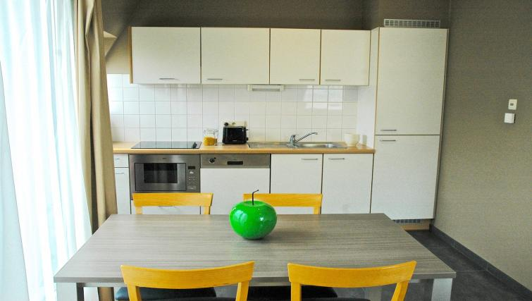 Kitchen at Green Gardens Apartments - Citybase Apartments