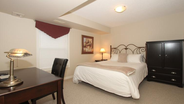 Bedroom at the Abbey Oaks Apartments - Citybase Apartments