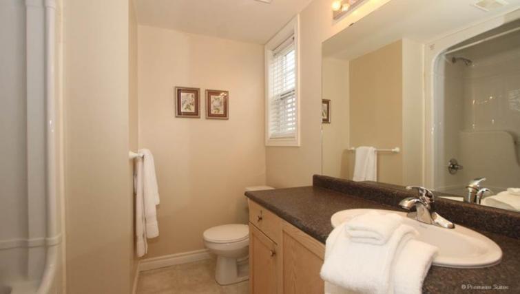Bathroom at the Abbey Oaks Apartments - Citybase Apartments