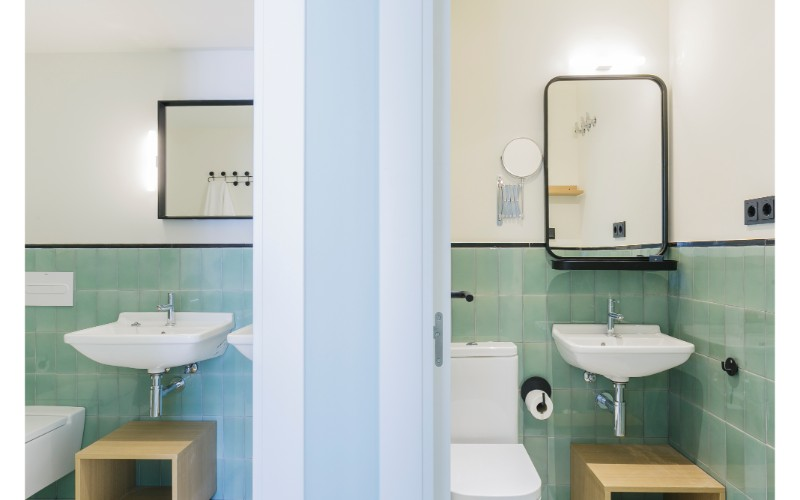 Bathroom at Yays Sagrera Apartments, La Sagrera, Barcelona - Citybase Apartments