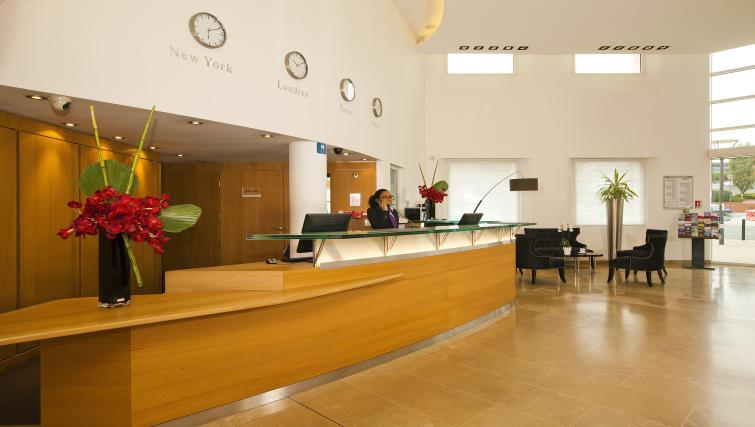 Reception at Residhome Paris-Massy Apartments - Citybase Apartments