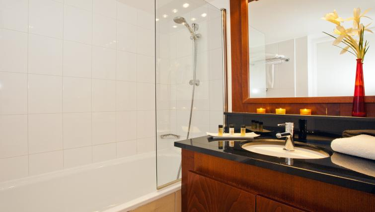 Bathroom at Residhome Paris-Massy Apartments - Citybase Apartments