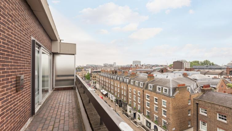 View at Baker Street Apartment - Citybase Apartments