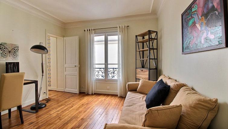 Charming Lounge at Laromiguiere Apartment - Citybase Apartments