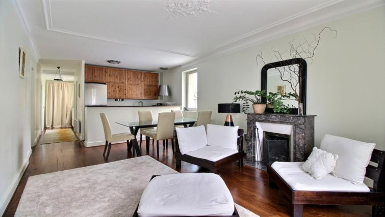 Lounge at Laromiguiere Apartment - Citybase Apartments