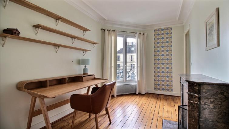 Desk at Laromiguiere Apartment - Citybase Apartments