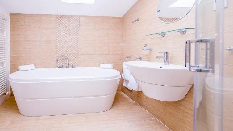 Bathroom at The Boulevard Apartment - Citybase Apartments