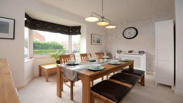 Dining table at Woodlea House - Citybase Apartments