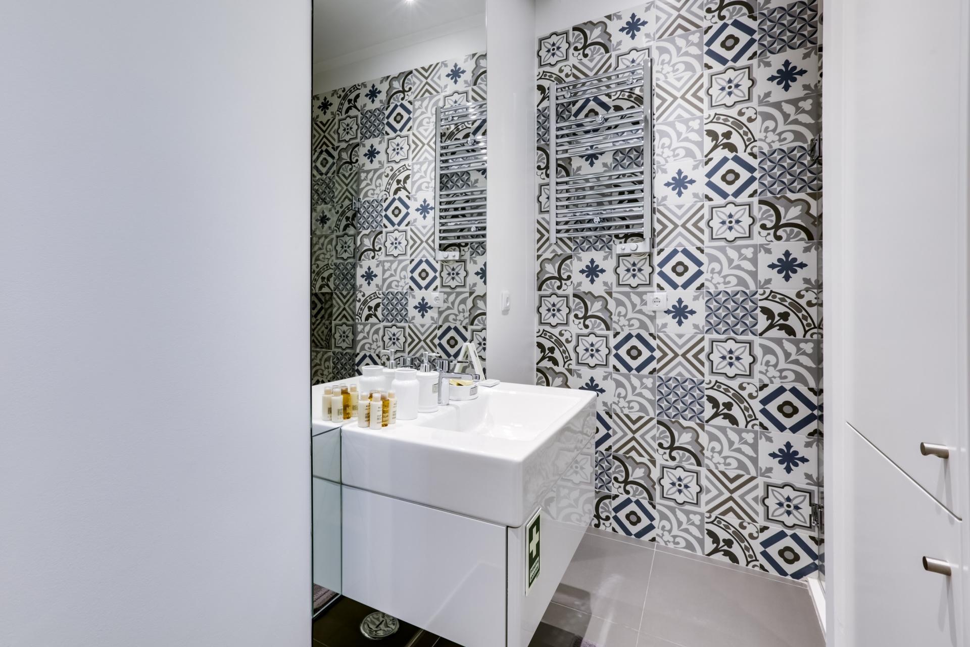Bathroom at Prata Apartments - Citybase Apartments