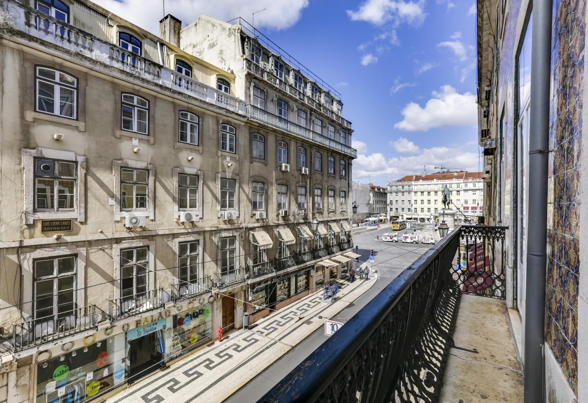 Balcony at Prata Apartments - Citybase Apartments