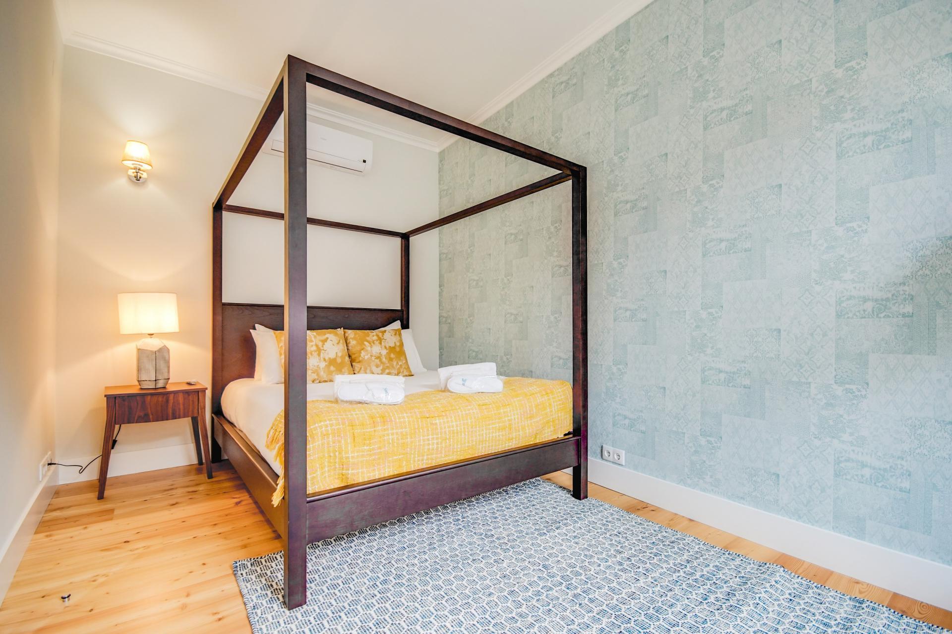 Grand bed at Prata Apartments - Citybase Apartments
