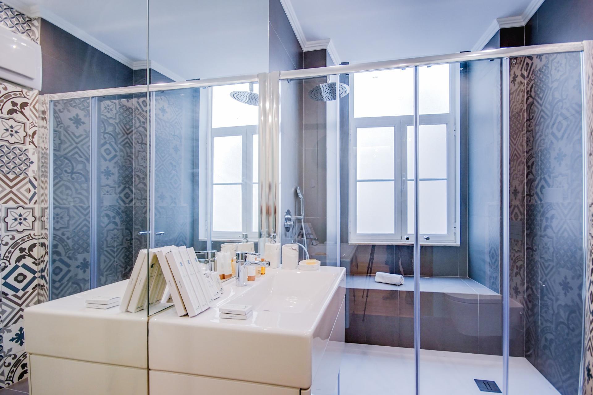 Bright bathroom at Prata Apartments - Citybase Apartments