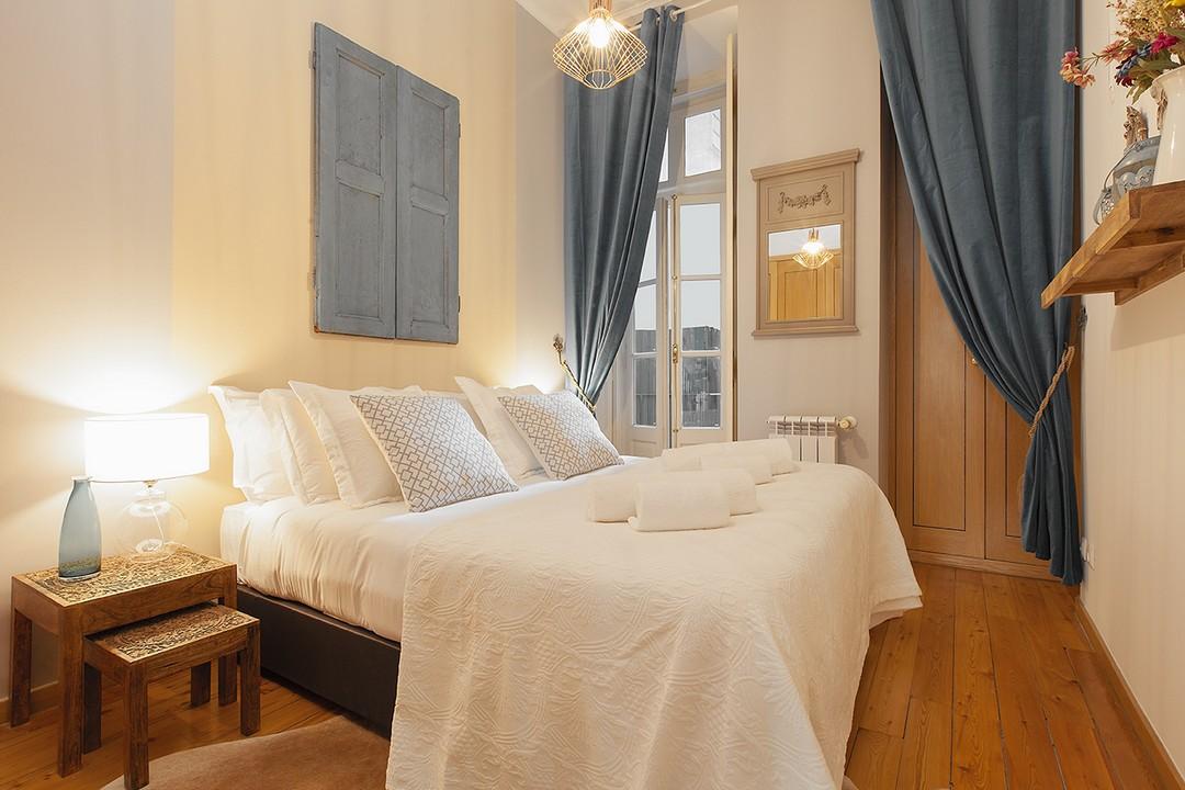 Cosy bedroom at Prata Apartments - Citybase Apartments