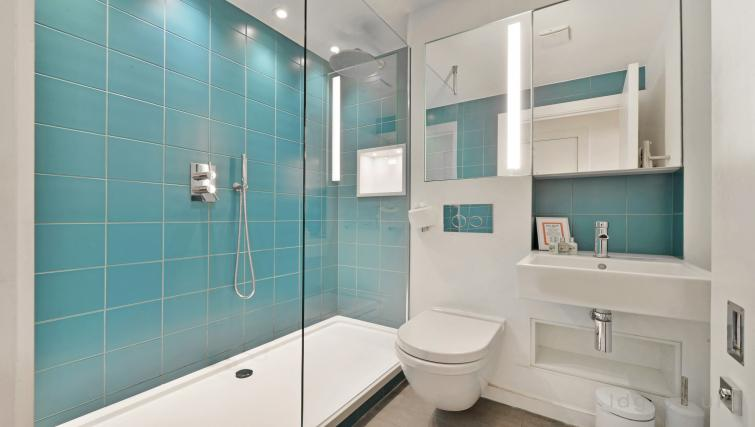 Shower at Old Compton House Apartments - Citybase Apartments