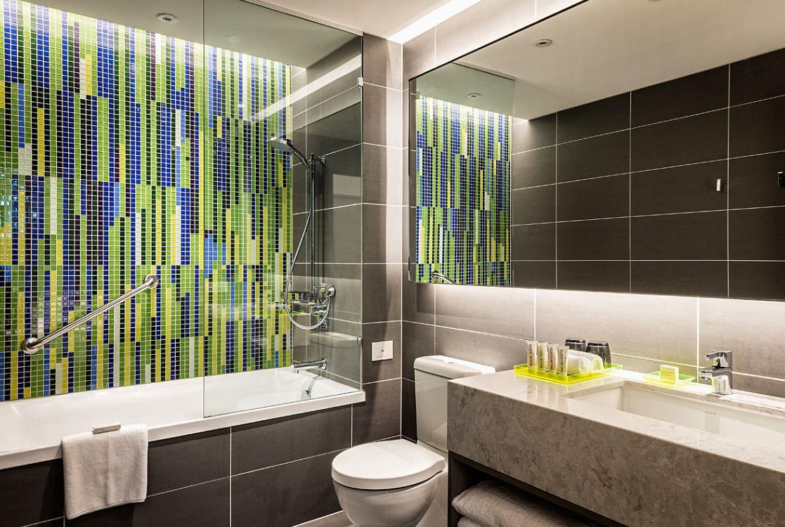 Bathtub at Brisbane Capri by Fraser - Citybase Apartments