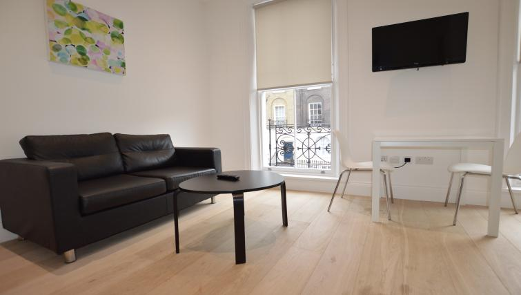 Table at the Kings Cross Serviced Apartments - Citybase Apartments