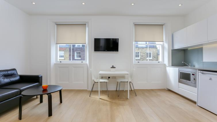 Dining area at the Kings Cross Serviced Apartments - Citybase Apartments