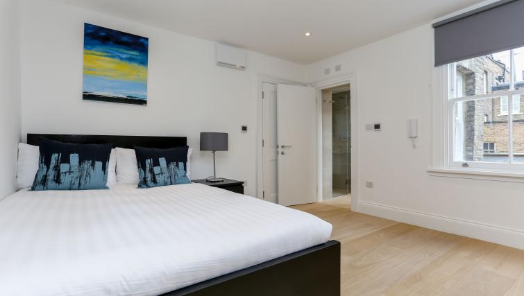 Bedroom at the Kings Cross Serviced Apartments - Citybase Apartments