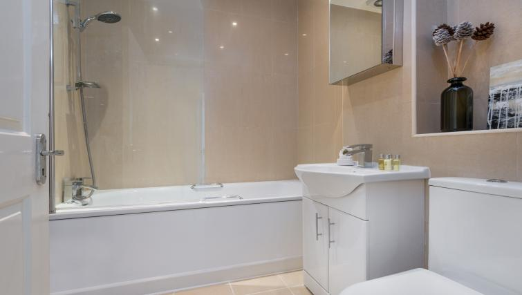 Bathroom at South Kensington Glendower Apartments - Citybase Apartments