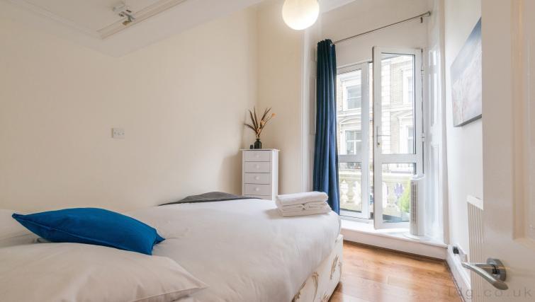 Bed at South Kensington Glendower Apartments - Citybase Apartments