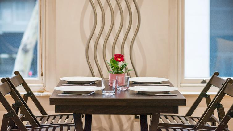 Dining table at Theobalds Road Apartments - Citybase Apartments